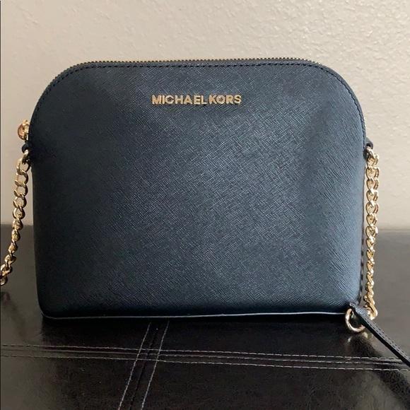 78b0ec06f53b Michael Kors Bags | Black Cindy Crossbody | Poshmark